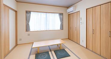 温かみのある和風テイストの親族控室